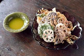 Crispy Mushrooms & Lotus Roots (veggies)
