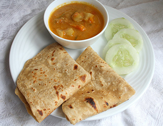 Chapati with Mix Vegetable Kurmar
