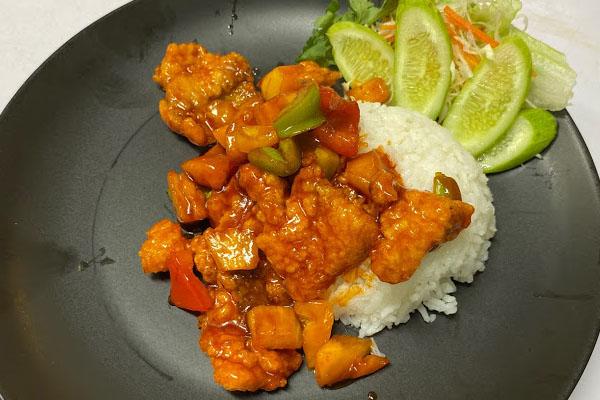 ข้าวปลากระพงเปรี้ยวหวาน สไตล์ฮ่องกง