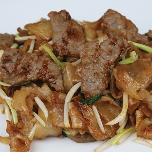 Fried rice noodle with beef