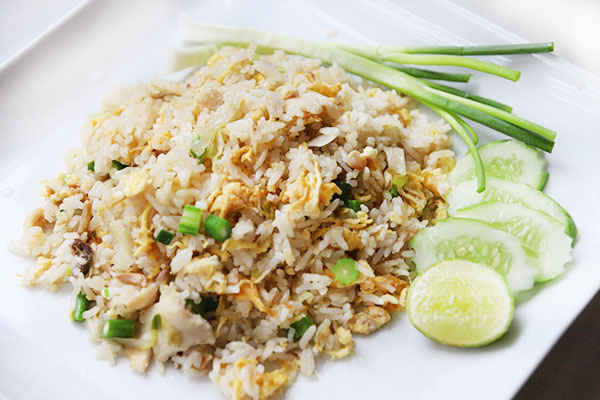 Fried rich with chicken and salted fish