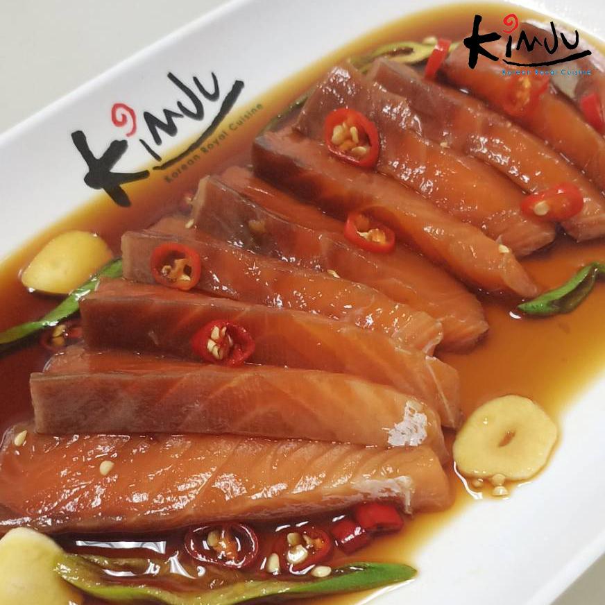 Kanchang with fresh salmon